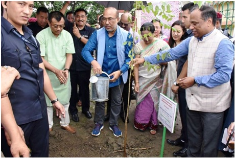 World Environment Day :: Ban On Plastics In The State Soon: CM